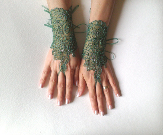 Wedding - Green little silver lace gloves fingerloop glove free ship bridal glove lace gauntlets guantes bridesmaid prom party gift