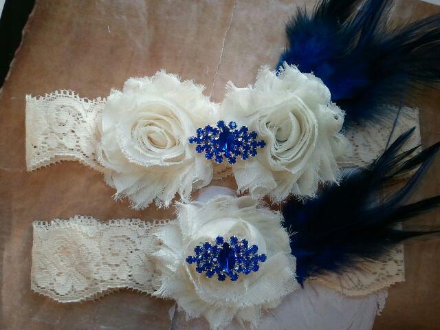 Mariage - Something Blue Wedding Garter Set with Rhinestone & Feather on a  Ivory Lace - Style G2977