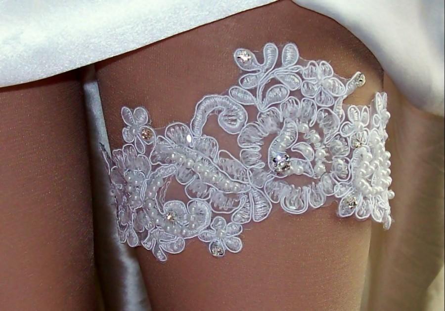 Mariage - Wedding Sale,Ivory Lace,Ivory Lace Garter, Wedding,Lace Garter,Beaded Garter,Plus Size Garter,Garter with Rhinestones,Diamond Garter