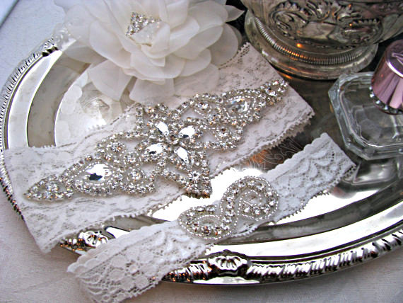 Свадьба - Bridal Garter Set, Crystal Rhinestone Keepsake and Toss Garter, White / Ivory Silver Lace Wedding Garter, Infinity Symbol Heirloom Garter