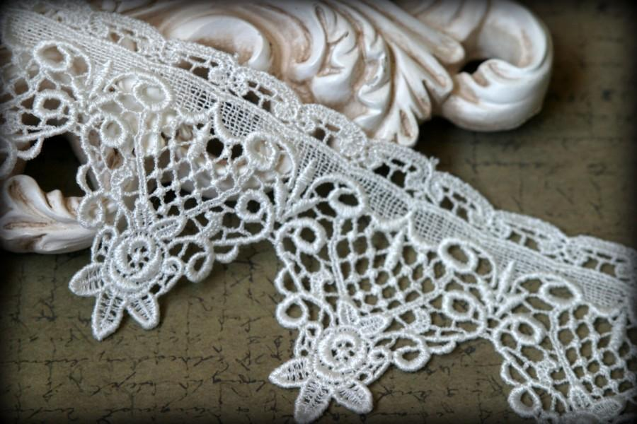 Свадьба - Ivory Venice Lace for Bridal, Costume Design, Millinery, Altered Couture, Sashes, Handbags, Crafting LA-020