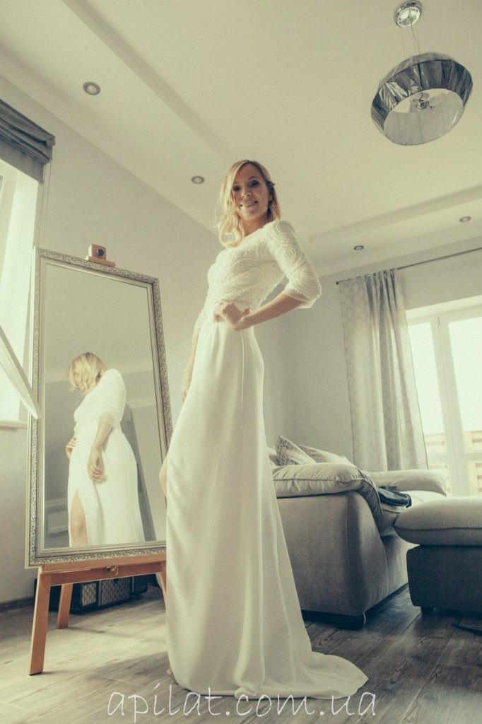 "Свадьба - Long  Wedding Dress with Handmade Pearls embellishments - ""Katie"", Romantic wedding gown, Classic bridal dress, Custom dress, Rustic gown"