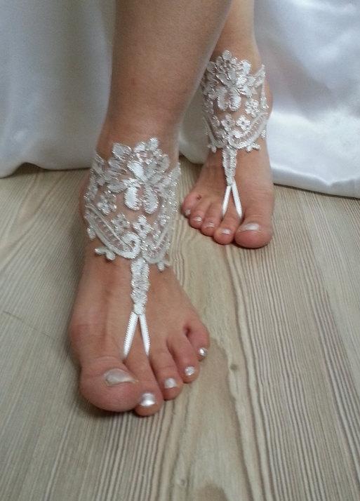 Mariage - ivory Beach wedding barefoot sandals, Ivory Barefoot Sandals, Sexy, Yoga, Anklet , Bellydance, Steampunk, Beach Pool