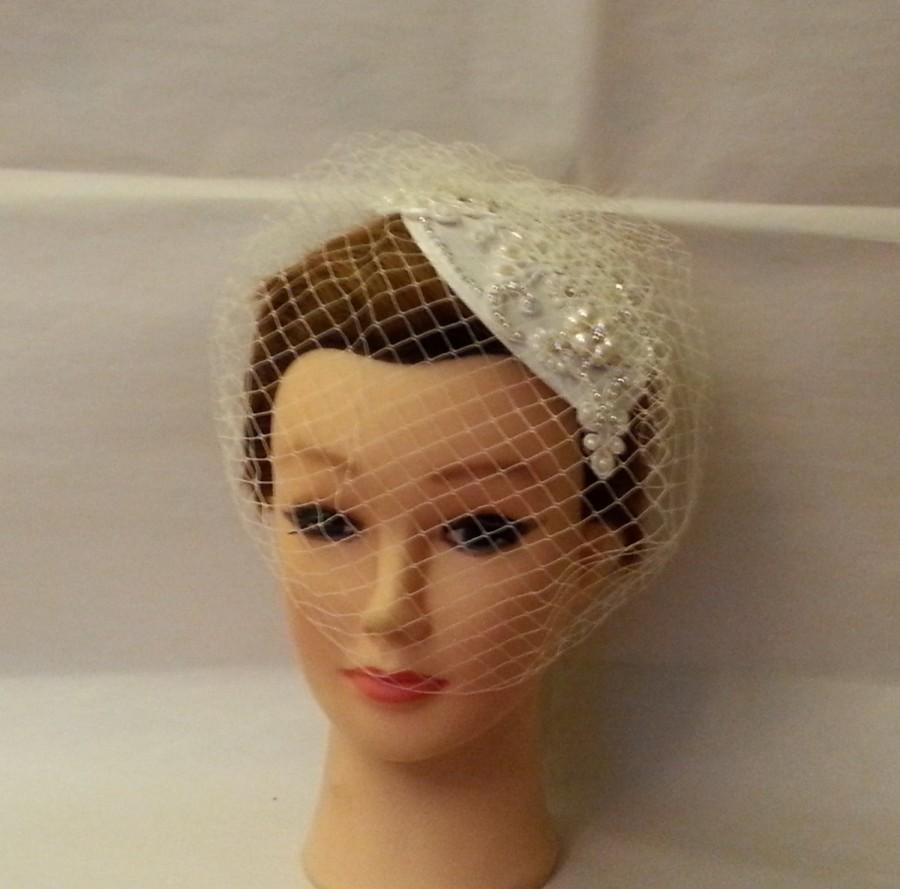 Mariage - Vintage 1940s-50s Fascinator Veil Hat White, Ivory Tear drop hat  birdcage veil Crystal Fascinator & Veil 2Pc set. 20%OFF SALE