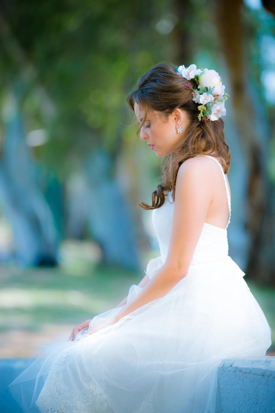 Mariage - Wedding flower headpiece, Bohemian flower crown, Bridal hair accessories, Rustic Wedding Bride Headpiece, Boho wedding Halo,  flower crown
