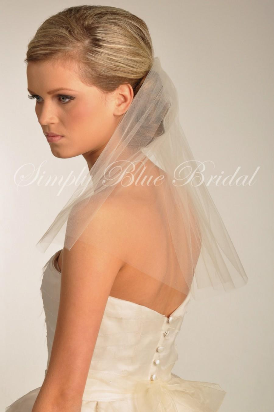 Mariage - Short Veil - Soft Shoulder Length Veil with Raw Cut Edge in IVORY - READY to SHIP