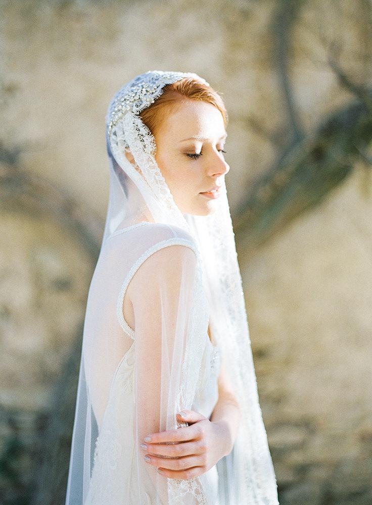 Mariage - Bridal Veil, Juliet cap Veil, Beaded Veil, Lace Bridal Veil, crystal Veil - Style 303