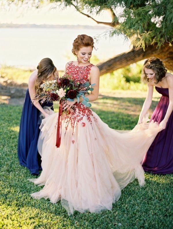 Düğün - 35-strikingly-gorgeous-looks-for-the-offbeat-bride-1