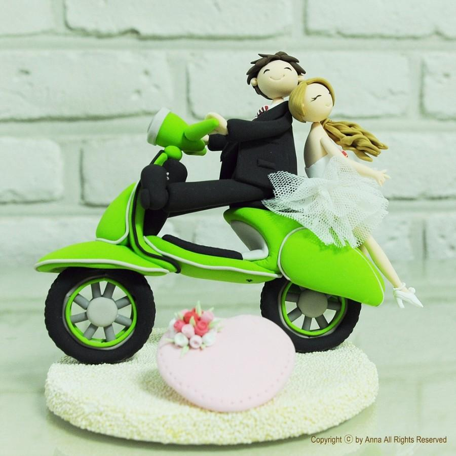 Свадьба - Custom Cake Topper -Vespa Wedding Cake Topper-