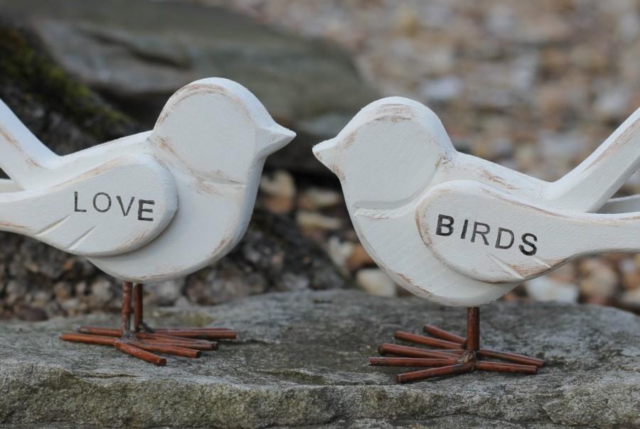 Hochzeit - Love Birds Cake Topper Rustic Shabby Chic Weddings
