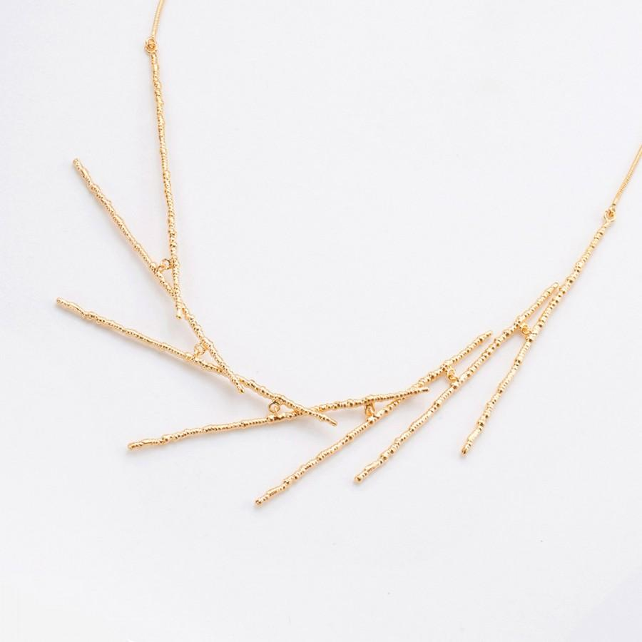 Wedding - Dainty Gold Bridal Necklace, Unique and Delicate Layout