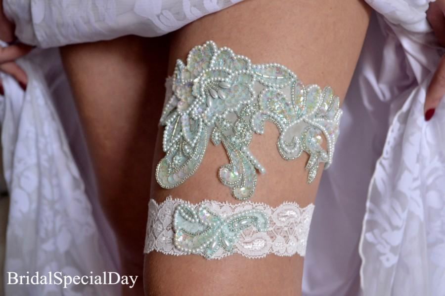 Свадьба - Mint Wedding Garter Mint Bridal Garter Pearl Garter Handknitted with Sequins - Handmade Wedding Garter Set