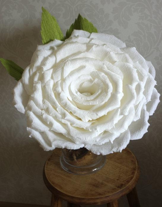 Свадьба - Custom Order for Giant Crepe Paper Rose 15 inches of diameter, White or Red Rose Diameter 40 cm, Large Paper Flower Custom Order