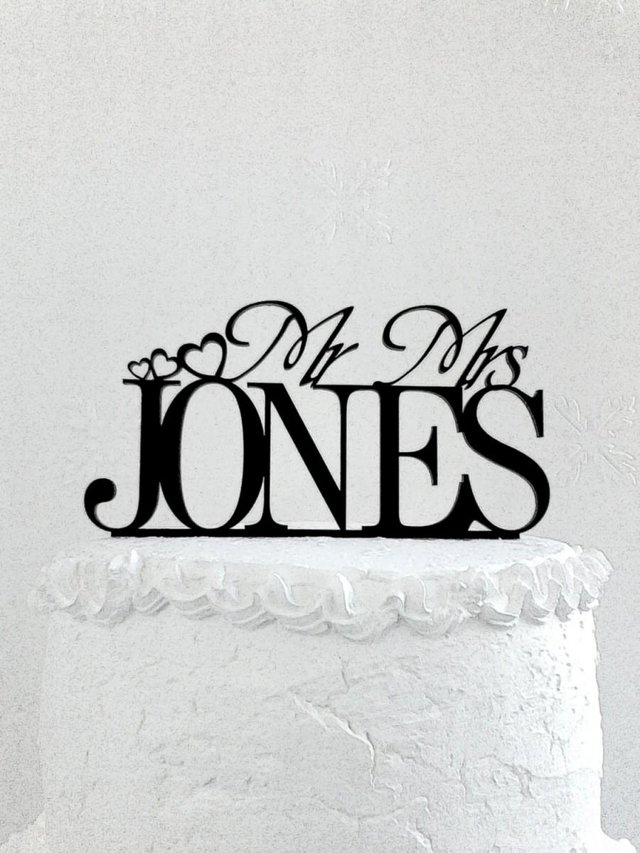 Свадьба - Mr and Mrs Jones Wedding Cake Topper.