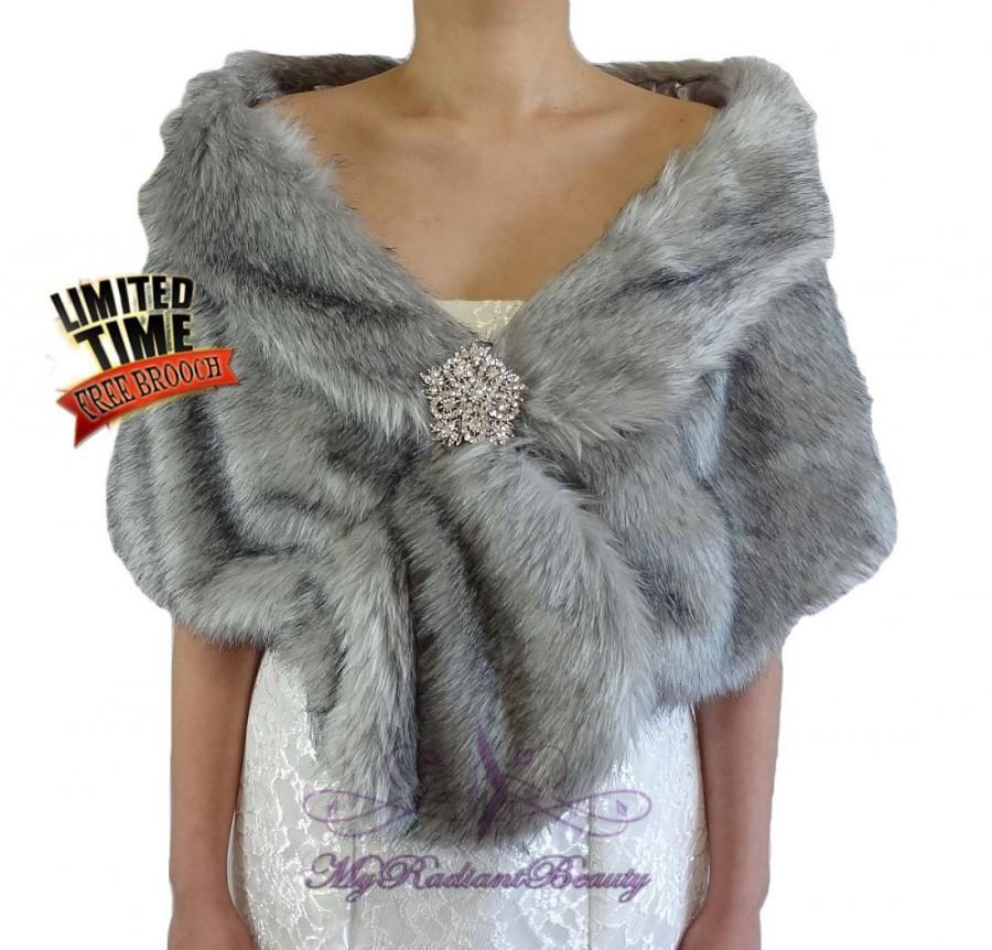 Mariage - Faux Fur Stole, Bridal Faux Fur Wrap, Grey Chinchilla Bridal Wrap Shawl, Wedding Fur Stole, Bridal Wrap, Bridal Fur Shrug FS108-GREYCHIN