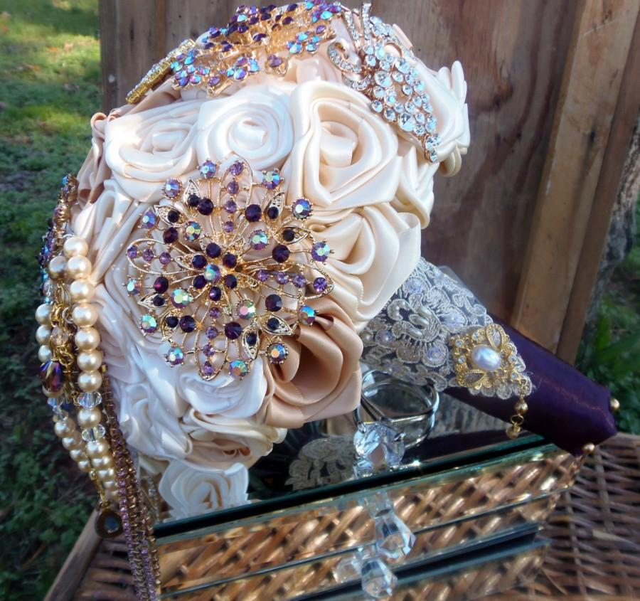 Mariage - Ivory & Champagne with Deep Purple Brooch Bridal Wedding Bouquet
