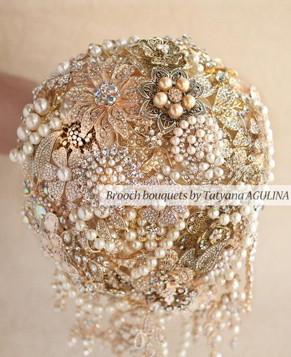 Mariage - Cascading Brooch bouquet. Gold vintage wedding brooch bouquet, Jeweled Bouquet