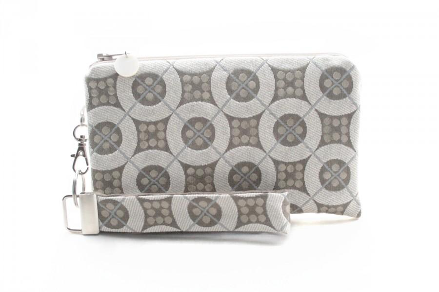 Свадьба - White bridal clutch is a fabric evening bag for women - small wedding handbag for bridesmaid gift