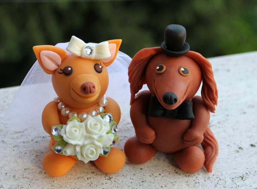 Свадьба - Chihuahua and Dachshund wedding cake topper, personalized dog bride and groom