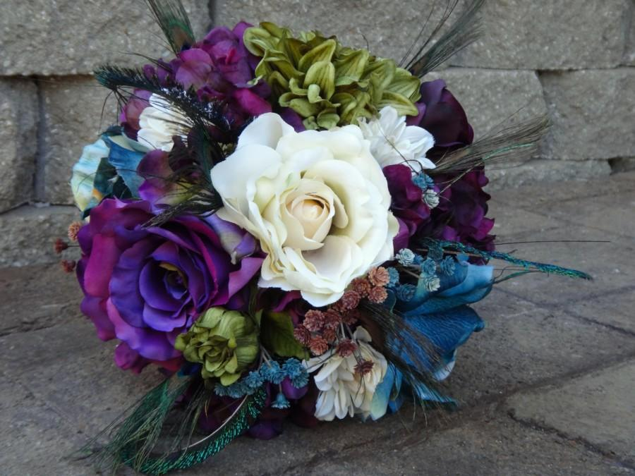 Mariage - Peacock bridal bouquet, eggplant purple, teal, olive green, ivory roses, dahlias, hydrangeas, peacock feathers