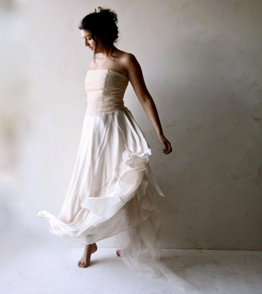 Mariage - Boho Wedding Dress, Alternative Wedding Dress, Lace wedding dress, Fairy wedding dress, strapless wedding dress, Silk Bridal gown. Loretree