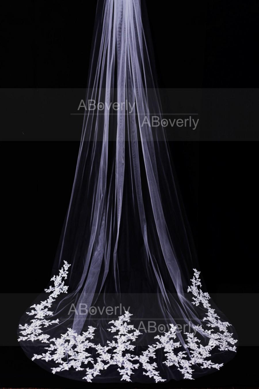 Mariage - 3M Single One Tier White/Ivory Long Cathedral Length Lace Wedding Veil Bridal Veil with Hair Comb