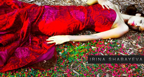 Düğün - Irina Shabayeva Red Rose Print Gown