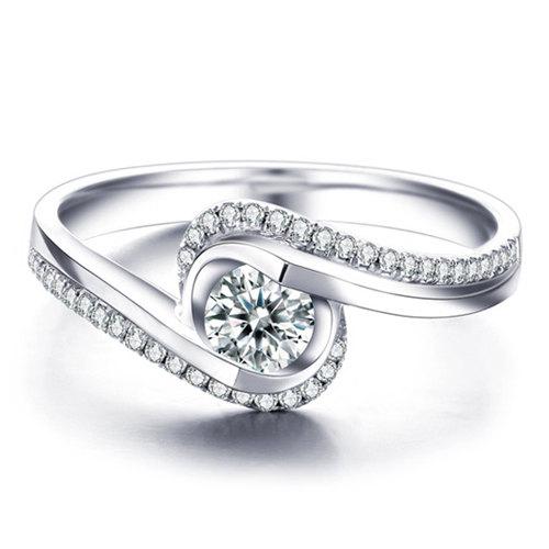 Mariage - Round Shape Twsited Diamond Engagement Ring 14k White Gold or Yellow Gold Art Deco Diamond Ring