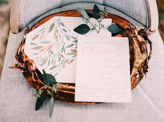 Hochzeit - Flower Crown Bachelorette Party Inspiration
