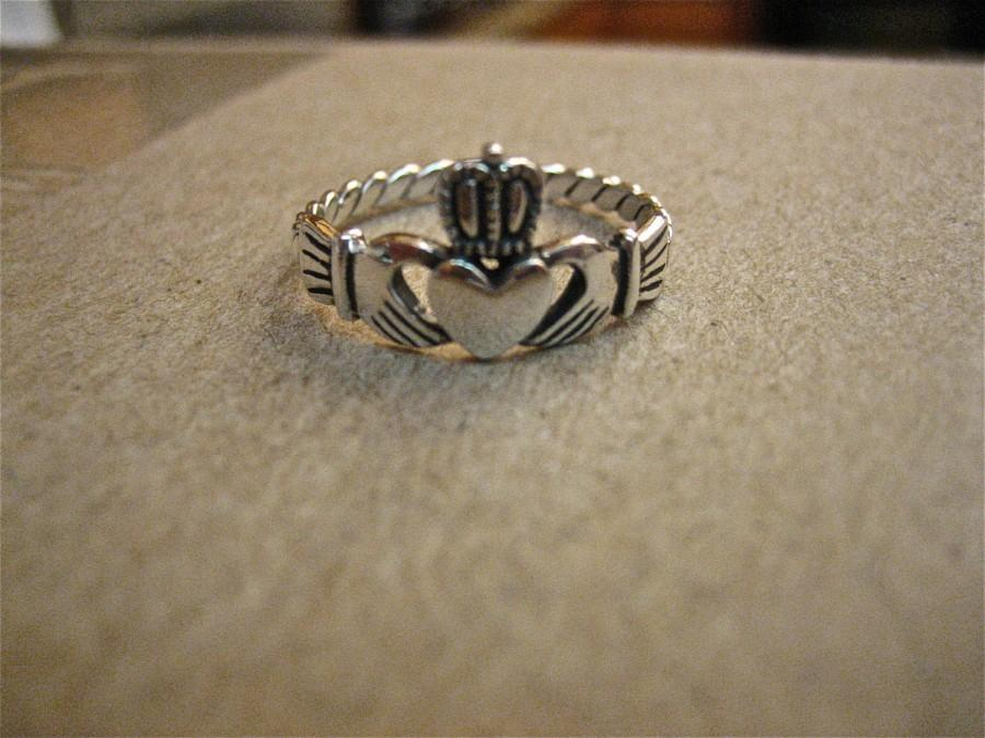 Mariage - Vintage 925 Sterling Silver  Claddagh Ring