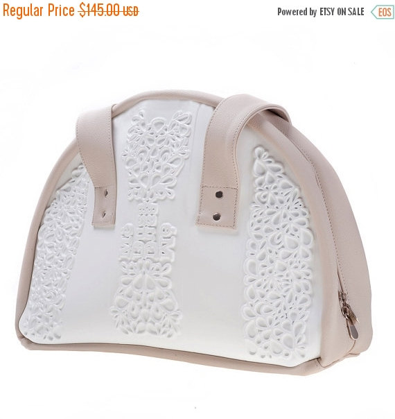 Mariage - On Sale - Non leather shoulder bag / vegan shoulder purse / branded white vinyl / easy to clean / durable and sustainable / can only be MeDu