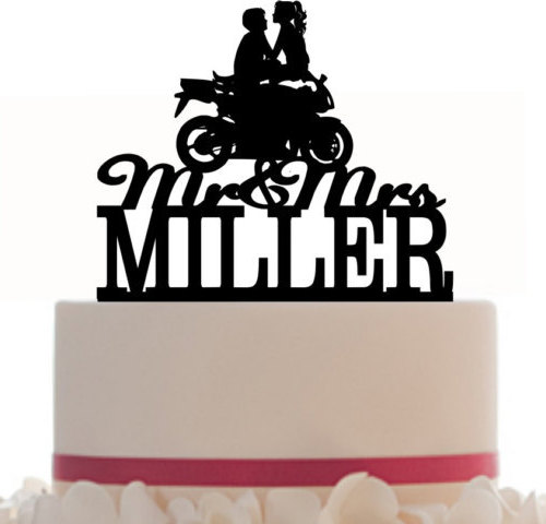 Mariage - Custom Wedding Cake Topper Mr and Mrs with your last name, a closed tire Motorcycle silhouette, choice of color and a FREE base for display