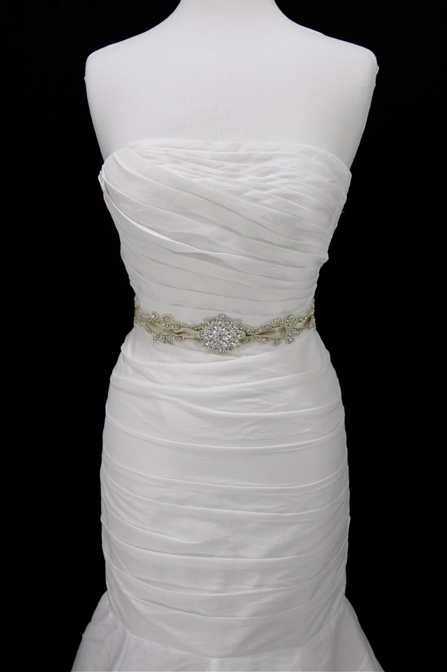 Mariage - Flower bridal sash,bridal Sash Belt,beaded belt,ribbon sash,champagne bridal belt,sash,rhinestone wedding belt,wedding gown belt,sash