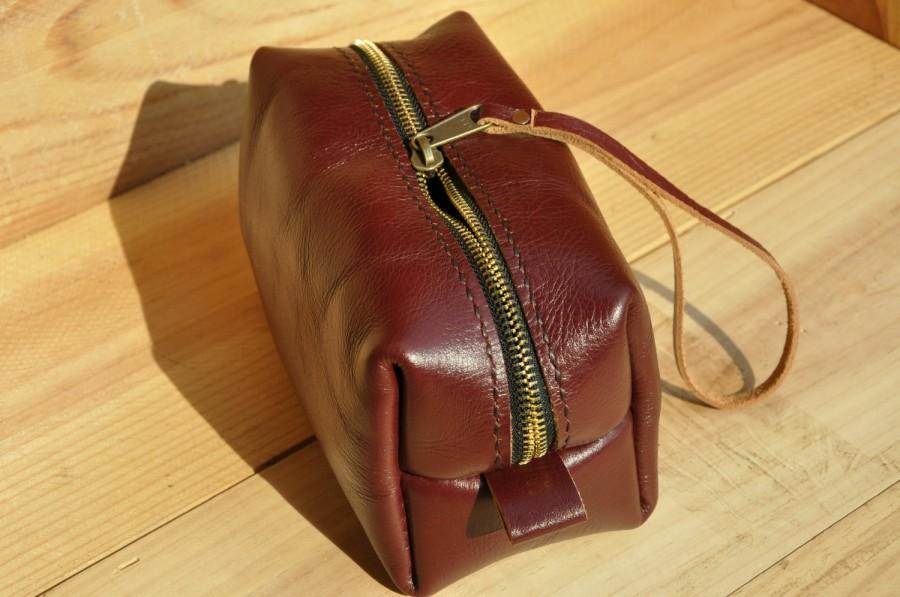 Hochzeit - Groomsmen Gift, Leather Dopp Kit, Leather Shaving Kit, Leather Toiletry Bag, Mens Toiletry Bag, Wedding Gifts