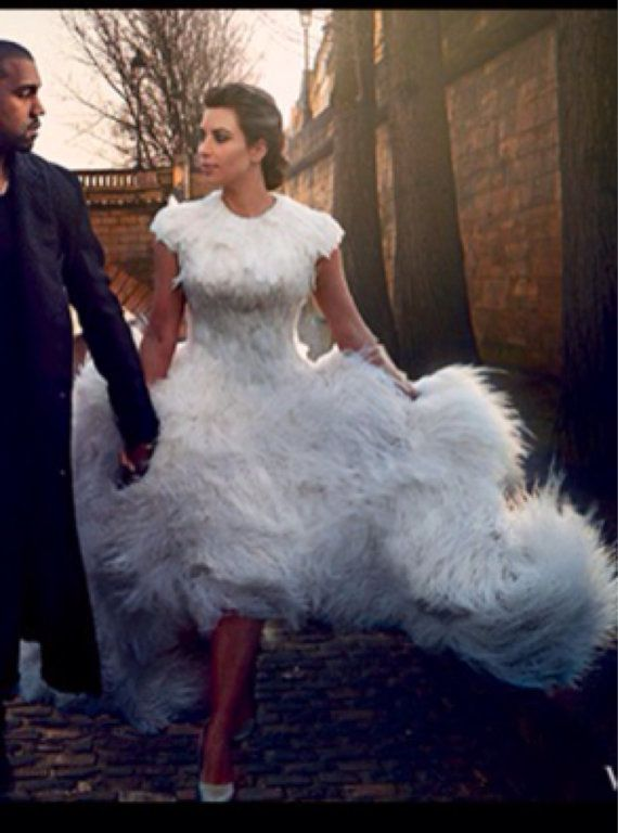 IRINA SHABAYEVA COUTURE Feather Queen Elizabeth Dress  2416286 ... 5f267f07e89