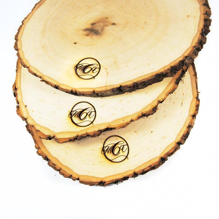 Hochzeit - Rustic Wood Tree Slice Centerpieces, Trivets, Hot plates, Chargers -plain - 10 - 13 inch diameter