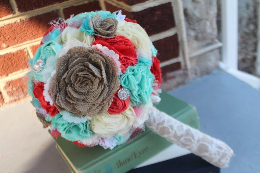 Mariage - Burlap, coral, mint and butter rustic bridal wedding bouquet. Shabby chic fabric flowers.