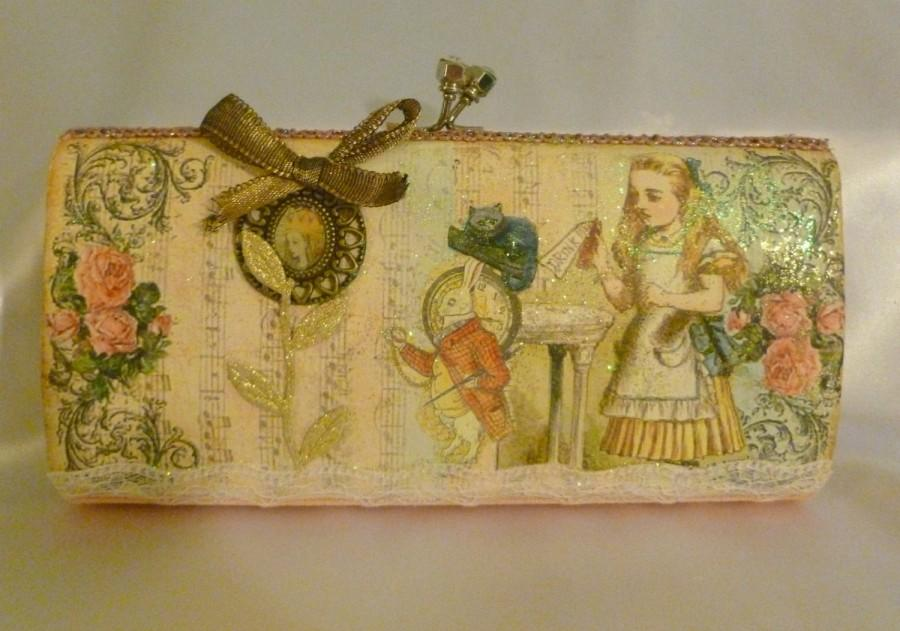 Свадьба - Alice in Wonderland Shimmery Clutch Bag ... FREE shipping within the US