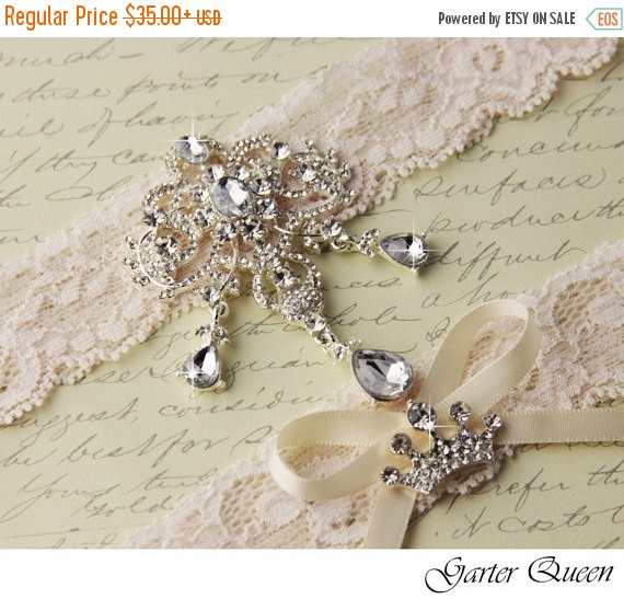 Wedding - 25% OFF sale Ivory Lace Garter Set, Wedding Garter Set, Bridal garter Set, Rhinestone Garter, Ivory Garter, Broach garter