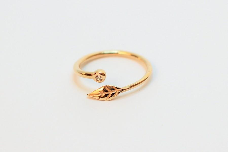 Свадьба - Solid Gold Wedding & Engagement Ring / Vintage Style Ring / Stacking Ring / Gold Leaf Stacking Ring / Adjustable