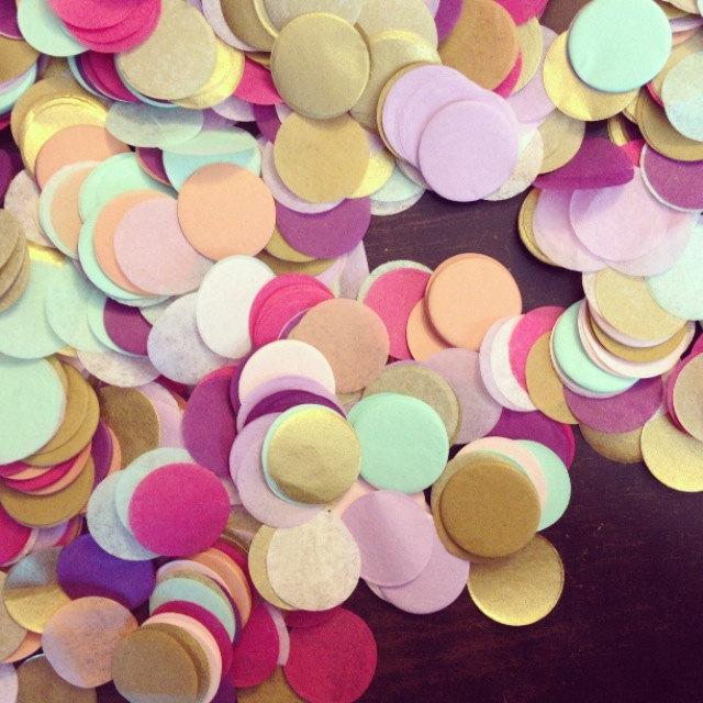 زفاف - TISSUE PAPER CONFETTI / table decoration / party decorations / flower girl / balloon confetti / toss confetti / wedding decorations