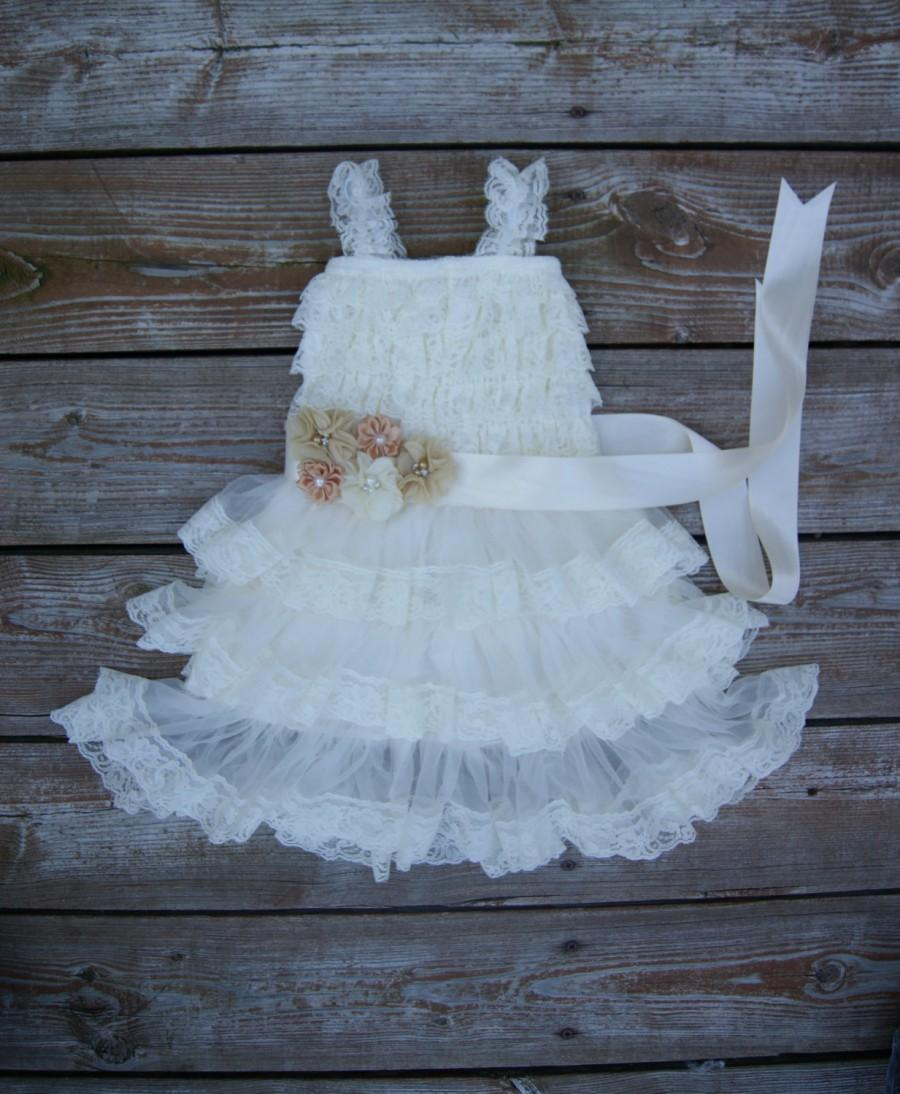 Nozze - Ivory lace flower girl dress. Ivory shabby chic dress.  Country wedding. Girls lace dress..  Toddler lace dress