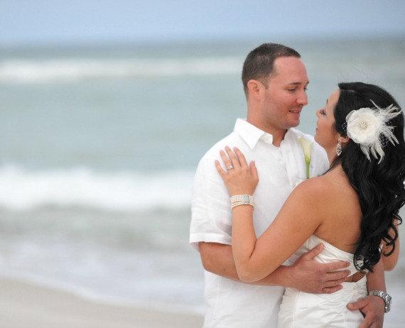 Mariage - Ivory Bridal Flower Hair clip, Wedding Hair Accessory, Fascinator, Organza, Jewel, Bridal Head Piece