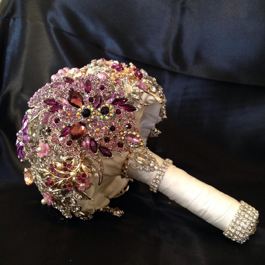 Mariage - Pink Purple Wedding Brooch Bouquet. Deposit on made to order Crystal Bling Diamond Bridal Broach Bouquet. Jeweled Broach Bouquet