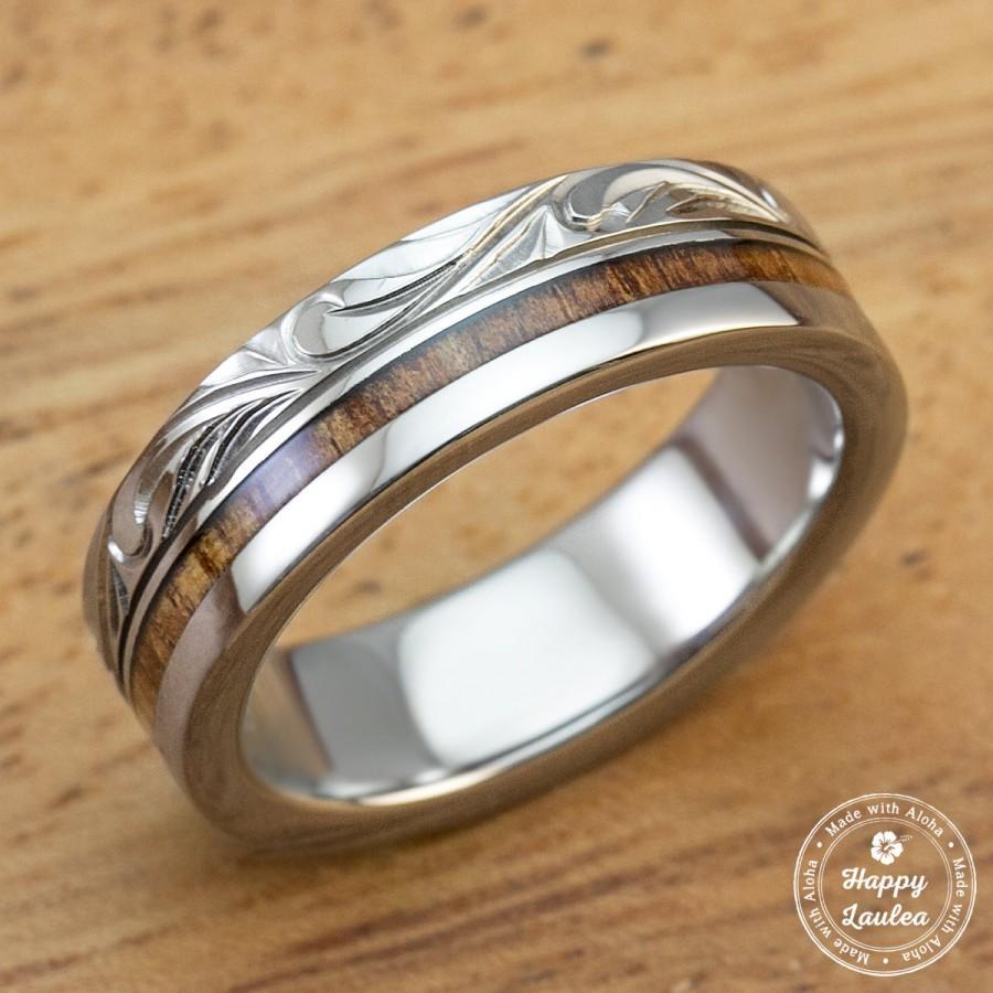 Mariage - Titanium Ring with Hawaiian Koa Wood Inlay Hand Engraved with Hawaiian Heritage Design (6mm Width, Flat Style)