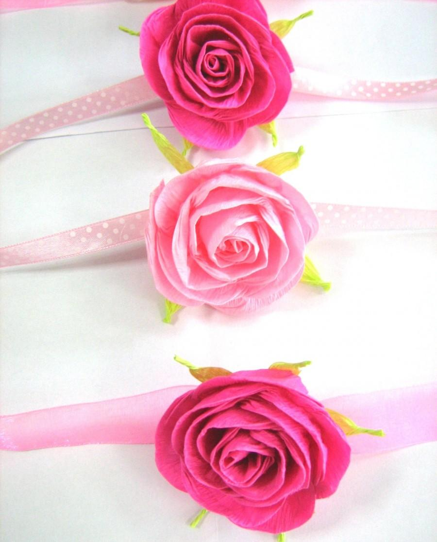 Mariage - Pink paper rose corsag, girls baby shower, photography prop, cuff bracelet corsage,flower girls corsage, paper flower bracelet,