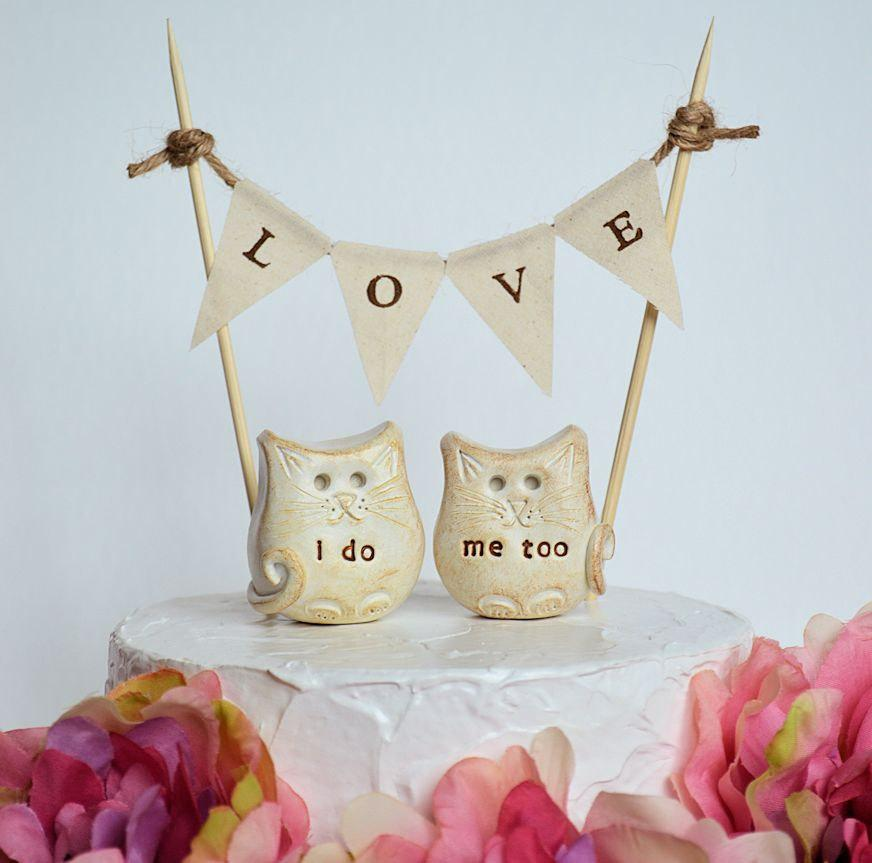 Mariage - Cat wedding cake topper... i do, me too cats and LOVE banner included...package deal, kitty wedding cake toppers