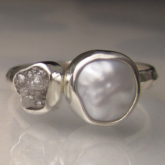 زفاف - Baroque Pearl and Rough Diamond Ring - Recycled Palladium Sterling Engagement Ring - Made to Order