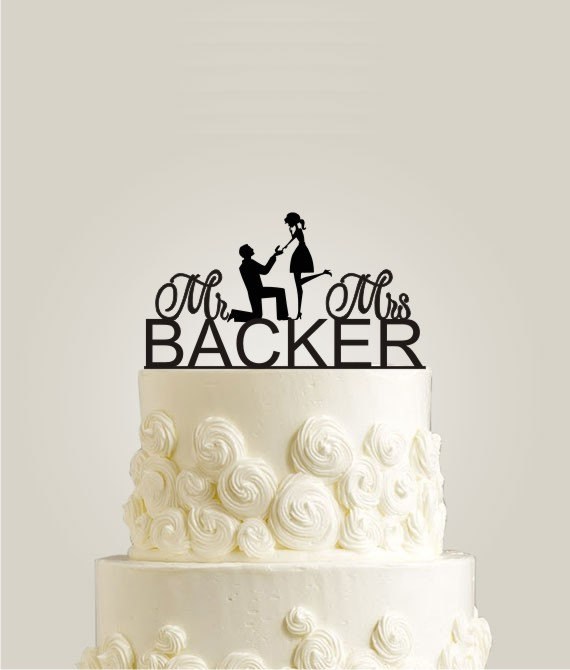 Mariage - Wedding Cake Topper - Personalized Monogram Last Name Cake Topper - Mr and Mrs - Bride and Groom - Couple - Cake Decor