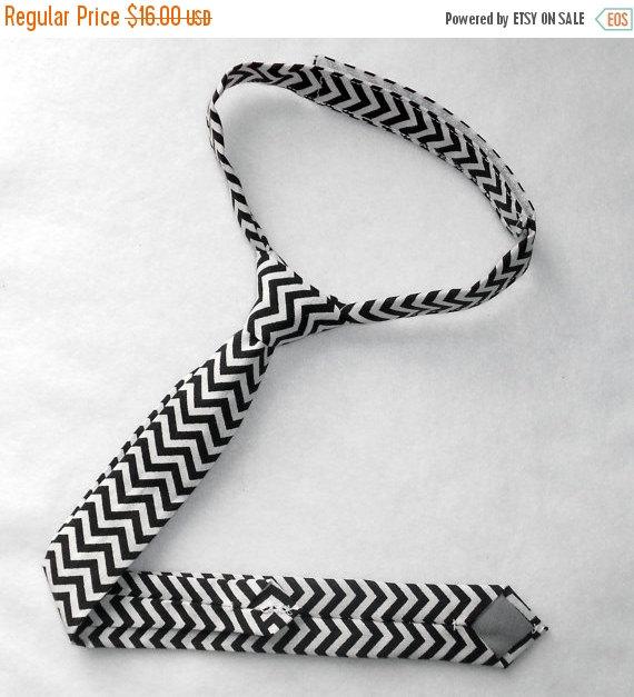 Hochzeit - BLACK FRIDAY SALE Black and White Chevron Necktie - Skinny or Standard Width - Infant, Toddler, Boy